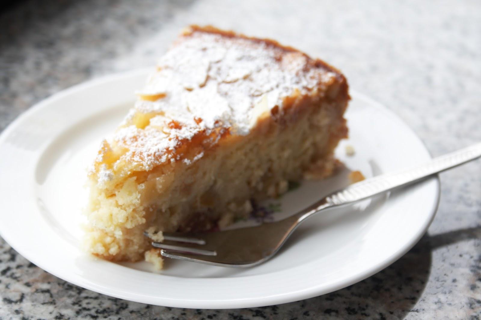 Supersaftiger Ricotta Mandel Kuchen Mit Apfelstuckchen Sugar Spice