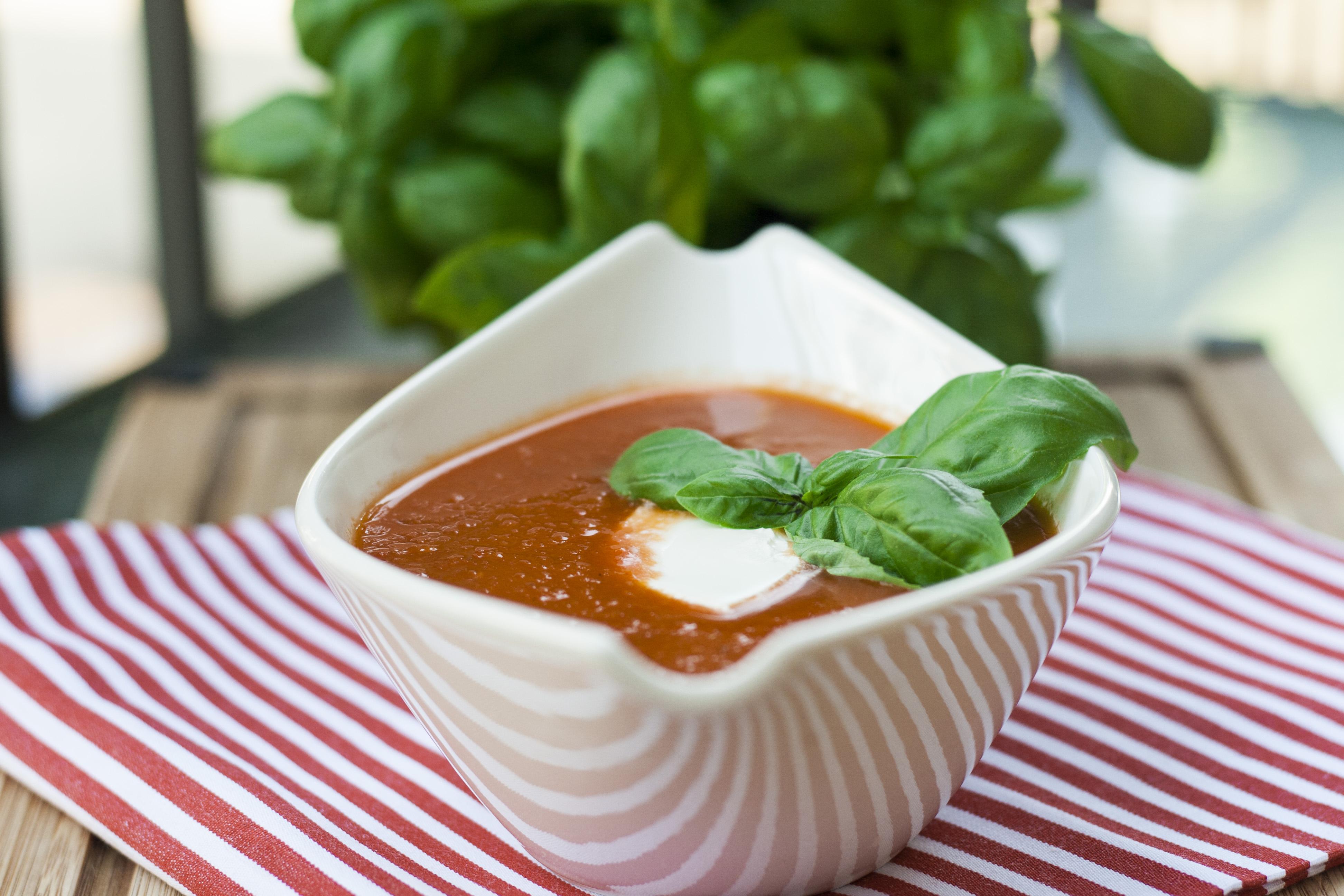 Sommerküche Tomaten : Tomaten paprika suppe u schmeckt warm oder kalt sugar spice