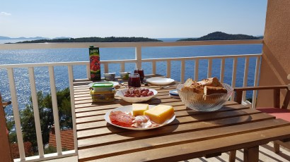 33_Frühstück auf Balkon Vila Milica Prizba Korcula