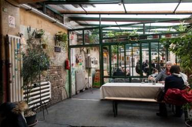 20 Szimpla Kert Ruinenbar Budapest Obergeschoss