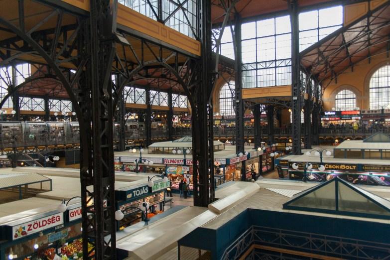 32 Markthalle Budapest Blick aus dem Obergeschoss