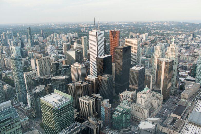 Bild 18 Toronto Skyline vom CN-Tower aus