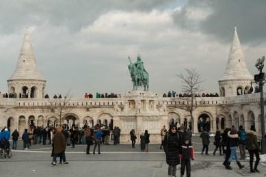 7 Fischerbastei Budapest mit Reiterstandbild